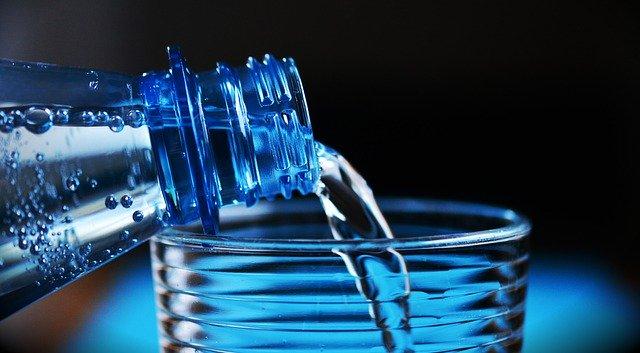 Boire de l'eau, une habitude saine à privilégier