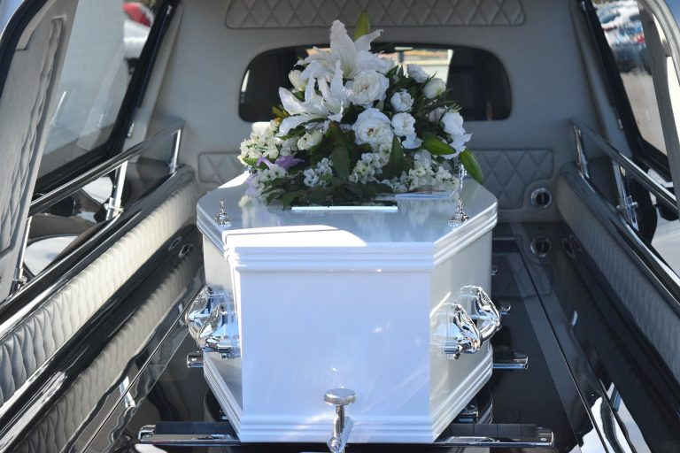 Conseils avisés pour bien choisir une entreprise funéraire